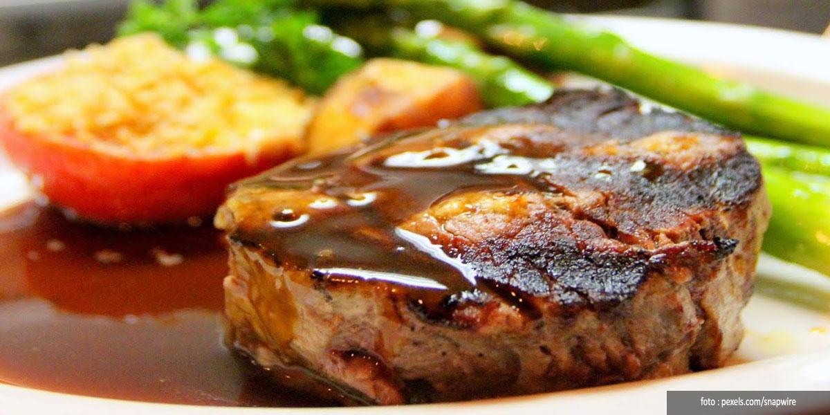 """Selain Digoreng """"Telanjang"""", Ini Resep Membuat Steak Tempe"""