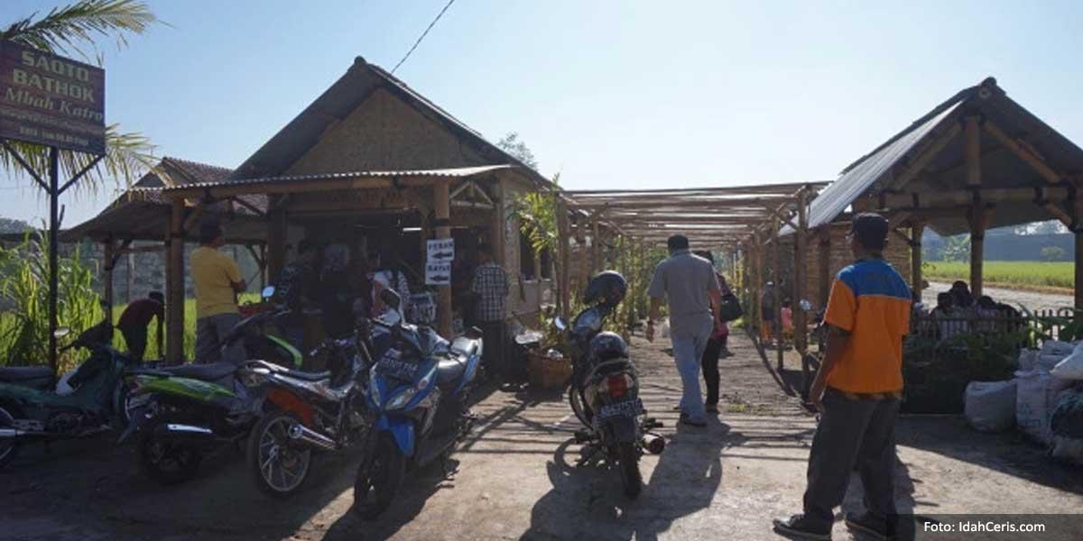 Depan Warung Saoto Bathok, Jogja